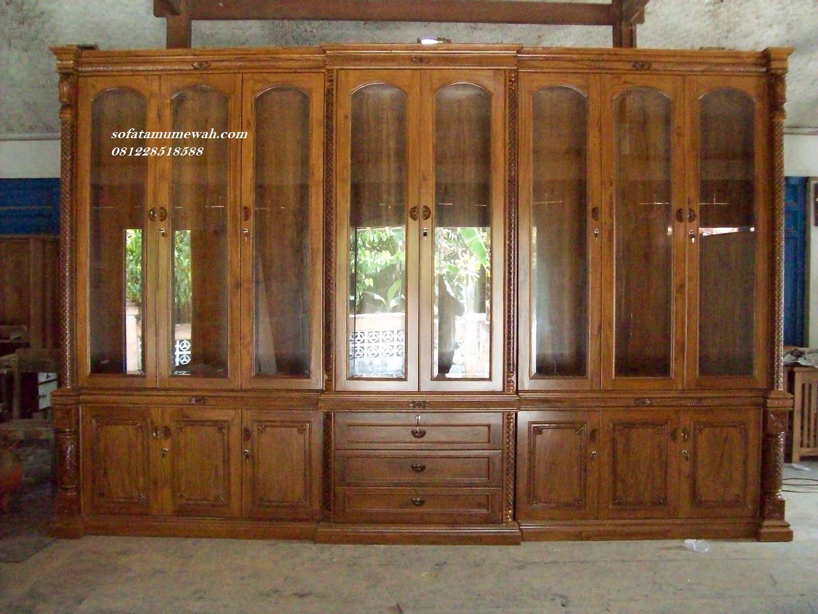 Furniture Lemari Hias Ruang Tamu Kualitas Jepara