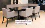 Set meja makan restoran mewah